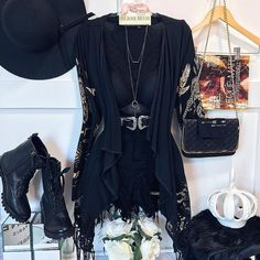 Edgy Outfits, Grunge Outfits, Cool Outfits, Summer Outfits, Camo Fashion, Fashion Line, Fashion Dresses, Womens Fashion, Mode Rock