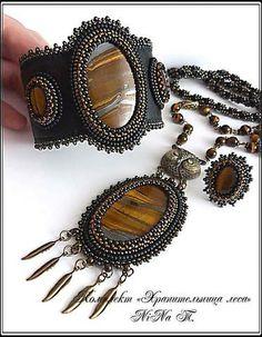 хранительница Bead Jewellery, Pendant Jewelry, Jewelry Sets, Beaded Jewelry, Jewelry Accessories, Beaded Necklace, Bead Embroidery Jewelry, Beaded Embroidery, Handmade Bracelets