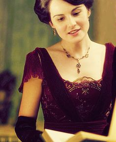 Lady Mary Crawley Eldest daughter of Earl of Grantham