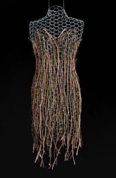 Susan Springer Anderson Backyardbeauty by ilene Textile Sculpture, Textile Art, Sculpture Art, Mannequin Art, Arte Floral, Fashion Art, Fashion Design, Wire Art, Mannequins