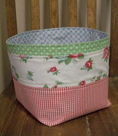 "St. Louis Folk Victorian: 3rd Floor Fabric Basket Tutorial ""Ride-Along"""