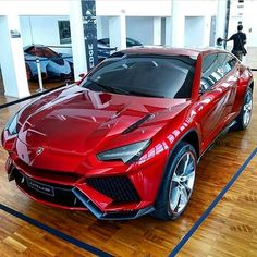 Lamborghini Urus ▫️ Price: 2.000.000 $ ▫️ Top speed: 186 mph   300 km/h ▫️ 0-60   0-100: 4.8 s ▫️ Horsepower: 600 h.p. ▫️ Engine: V10 5.2L ▫️ Weight: 2150 kg Photo by: @lamboheads #217mph #lqmborghini