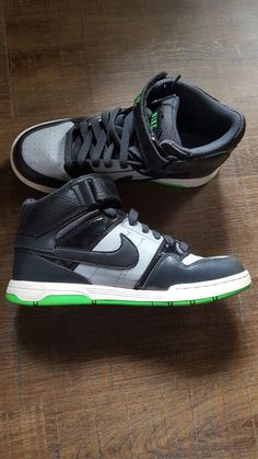 ea61498083e Youth Nike Dunk High Top size 6.5 Black Green Grey #fashion #clothing #shoes