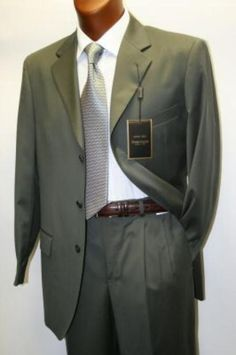 Find the latest styles in business suits and accelerate your professional look with mensitaly's olive green business suit. Discount Prom Dresses, Strapless Prom Dresses, Suit Fashion, Mens Fashion, Fashion Outfits, Fashion Ideas, Green Business, Business Suits, Olive Green Suit