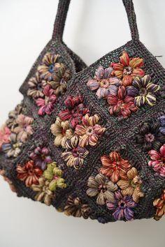 Free Crochet Bag, Knit Crochet, Crochet Bags, Beauty Case, Boho Bags, Crochet Accessories, Knitting Designs, Crochet Flowers, Crochet Projects