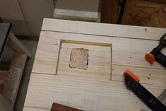 A Solid and Cheap Workbench: 10 Steps (with Pictures) Jet Woodworking Tools, Woodworking Bench Plans, Woodworking Videos, Woodworking Crafts, Building A Workbench, Workbench Top, Workbench Plans, Build Your Own Garage, Industrial Workbench