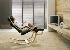 """Der Designer Relaxsessel """"Gravity Balans"""" ist ein erstaunlicher Entwurf vom Designer Peter Opsvik für Varier Furniture."""