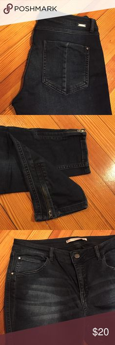 ZARA Ankle Zipper Skinny Jean Worn maybe once or twice - stretchy, dark wash denim with zippers on the ankle. 🌸 Open to offers ~ bundling automatically gets you 25% off 🌸 Zara Jeans Skinny