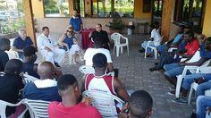 Cepagatti monsignor Valentinetti e il sindaco Rapattoni incontrano gli immigrati alloggiati allostello Pepe Nero