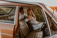 On a dreamlike sunny day in spring, Anita + Johan celebrated their union on the West Coast. Full of botanical touches, sunshine and rustic vibes, this outdoor wedding was the perfect blend of simplicity meets chic. Sunny Days, Chic, Celebrities, Outdoor, Shabby Chic, Outdoors, Elegant, Celebs, Outdoor Games