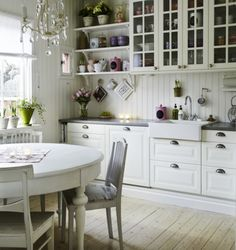 ♕ pretty pastel details in kitchen