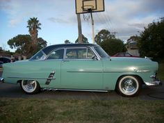 obsessed with classic cars. <3