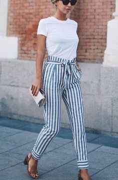 Casual Outfit Ideas For Work Take a look at these chic business casual outfit ideas!Take a look at these chic business casual outfit ideas! Spring Fashion Outfits, Look Fashion, Spring Summer Fashion, Spring Style, Spring Wear, Fall Outfits, Fashion Clothes, Women Fashion Casual, Summer Pants Outfits