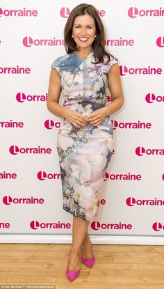 Susanna Reid steals the limelight from Piers Morgan in a floral dress Suzanna Reid, Ted Baker, Sexy Older Women, Floral Midi Dress, Trends, Vintage Lingerie, New Girl, Pin Up Girls, Well Dressed