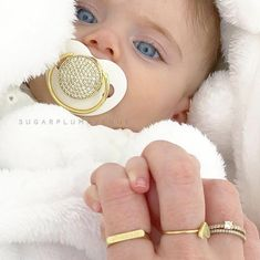Chic Swarovski Crystal Bling Pacifier in Silver, Gold & Rose Gold Cute Little Baby, Cute Baby Girl, Little Babies, Cute Babies, Beautiful Children, Beautiful Babies, Country Baby Photos, Bling Pacifier, Blue Eyed Baby