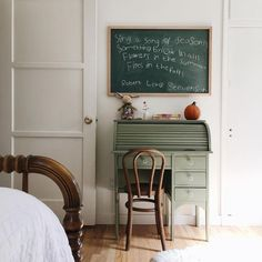 Green painted desk, simple chair and chalkboard kids desk Perfect Idea Room Decoration Get it Know Decoration Inspiration, Room Inspiration, Decor Ideas, Design Inspiration, Design Ideas, Chambre Nolan, Kid Desk, Desk For Kids, Kid Spaces