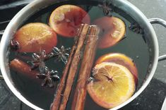 Drinkable Potion That Will Warm Your Soul: Hot Buttered Rum - Unseen Seraph Homemade Mulled Wine, Spiced Wine, Hot Buttered Rum, Cocktail Recipes, Wine Recipes, Christmas Cocktails, Christmas Markets, Vegetarian, Gourmet