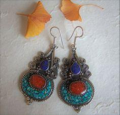 Pendientes tibetanos. Pendientes étnicos. Joyería étnica. Joyería tibetana. Tibetan earrings. Tibetan Jewelry