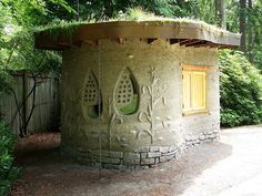 Love this cob-built tool shed! Wouldn't it make a beautiful potter's studio?