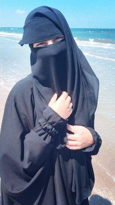 Beautiful Arab Women, Beautiful Hijab, Beautiful Girl Image, Hijab Niqab, Muslim Hijab, Arab Girls Hijab, Muslim Girls, Hijabi Girl, Girl Hijab