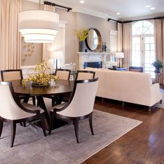 15 Stunning Round Dining Room Tables