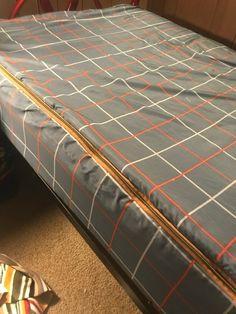 DIY Zipper Bedding • Mid Century Mom Zip Up Bedding, Rv Bedding, Beddys Bedding, Dyi, Big Girl Bedrooms, Kids Bedroom, Bedroom Ideas, Sleeping Porch, Camper Makeover