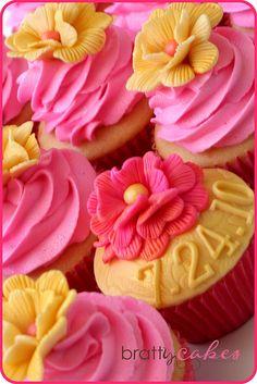 Bridal Shower Cupcakes by Natty-Cakes (Natalie), via Flickr