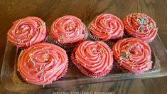 Edels Mat & Vin: Gulrotmuffins med ostekrem 💕 Muffins, Desserts, Food, Tailgate Desserts, Muffin, Deserts, Essen, Postres, Meals