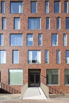 Gallery of Docklands / Marcel Lok Architect - 4