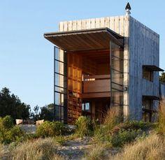 Une maison cabane en bois élégante et fonctionnelle