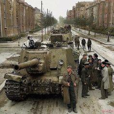 Column of Soviet (Samokhodnaya Ustanovka self-propelled guns during a brief lull in the fighting in a suburb of Berlin, May Isu 152, Marine Corps History, Air America, Uss Lexington, Ww2 History, Military History, Ww2 Photos, Ww2 Tanks, Us Marines