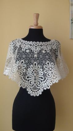 A beautiful Lace Shawl is made of famous Russian tape bobbinglace technology . Suitable all size Off White.A metal wire in silver sparkle a bit. Lace Patterns, Dress Patterns, Mermaid Prom Dresses Lace, Bridal Cover Up, Crochet Coat, Fancy Blouse Designs, Linens And Lace, Antique Lace, Bobbin Lace