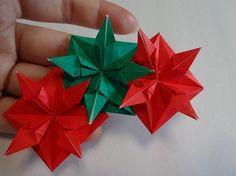 【nanapi】 はじめに今回は折り紙で作るクリスマスリースを紹介します。必要な材料・道具好きな色の折り紙8枚のり作り方STEP1:折り線をつける折り紙に写真の点線に沿って谷折りの折り線をつけます。STEP2:折り線をつける白い面を表にして折り紙を置きます。中心...