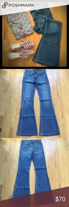 AG Farrah 70s Bell Bottom Super cute pair. Gently pre-owned. Material: 55% cotton, 43% lyocell, 2% PU. Ag Adriano Goldschmied Jeans