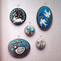 Embroidery pattern & brooch Small flower por MotokoThreads en Etsy