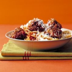 """""""Lady and the Tramp"""": Spaghetti and Meatballs"""