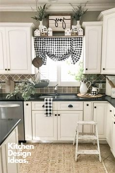Best Farmhouse Kitchen Decor Ideas to Fuel Your Remodel Farmhouse Kitchen Curtains, Home Decor Kitchen, Country Kitchen, Farmhouse Decor, Country Decor, Kitchen Ideas, Country Casual, Farmhouse Design, Country Style