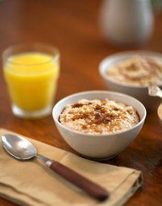 Slow Cooker Creamy Almond Oatmeal - oatmeal in the slow cooker is the BEST!  #slowcookeroatmeal #crockpotoatmeal