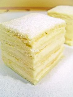 Alba ca zāpada Romanian Desserts, Romanian Food, Romanian Recipes, Chef Recipes, Cookie Recipes, Dessert Recipes, Lemon Layer Cakes, Sweet Tarts, Homemade Cakes