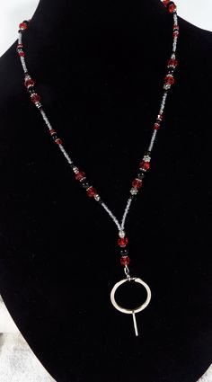 red and black beaded lanyards Lanyard Necklace, Beaded Necklace, Necklaces, Pendant Necklace, Beaded Lanyards, Diy Jewelry, Unique Jewelry, Eyeglass Holder, Glass Holders