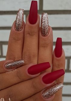"Holiday Nails Christmas Holiday nail designs will be the ""in"" thing in a couple of weeks as we officially gear up for Christmas. Just feel the air out. Xmas Nails, Prom Nails, Fun Nails, Simple Christmas Nails, Christmas Acrylic Nails, Christmas Nails Colors, Red Glitter Nails, Red And Silver Nails, Red Matte Nails"