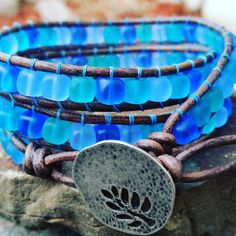"""""""Mi piace"""": 20, commenti: 5 - Lynn Fulbright (@madcityizzy) su Instagram: """"Caribbean turquoise blue matte sea glass.  See me in my shop! etsy.com/shop/offbeadinpathneosho…"""""""