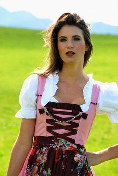 Dirndl & Trachtenkleider - Bezauberndes Waschdirndl Pünktchen rosa-weiß - ein Designerstück von aufgebretzelt bei DaWanda