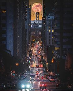 ✤ San Francisco, California, USA  Courtesy of @jrhigz ← Check out our new website, link in bio Tag your best travel photos with #travellingthroughtheworld