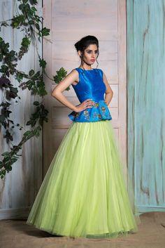 Kids Party Wear Dresses, Designer Party Wear Dresses, Kurti Designs Party Wear, Indian Designer Outfits, Dresses Kids Girl, Designer Wear, Half Saree Designs, Lehenga Designs, Choli Designs