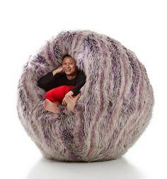 Rundes Schaukelstuhl Design von einer gruseligen Kindergeschichte inspiriert  - http://freshideen.com/mobel/rundes-schaukelstuhl-design.html