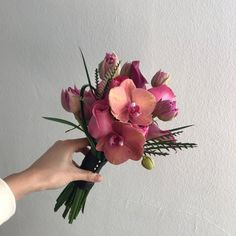 Hand Bouquet Wedding, Bridesmaid Bouquet, Wedding Bouquets, Wedding Flowers, Floral Bouquets, Floral Wreath, Intimate Wedding Ceremony, Flower Aesthetic, Pretty Flowers