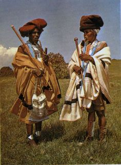 Xhosa men in traditional dress. African Life, African Men, African Culture, African History, African Beauty, African Fashion, Xhosa Attire, African Royalty, African Traditions