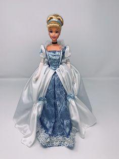 disney collectors doll Cinderella Anniversary new barbie mint condition Cinderella Doll, Disney Princess Dolls, Disney Dolls, Barbie Stuff, Barbie I, Disney Collector Dolls, Disney Treasures, Disney Inspired Fashion, Mattel Dolls