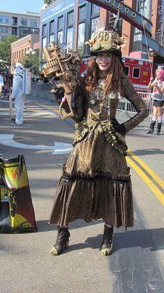 Steam Punk Woman, San Diego-Gotta a love a women who carries her own gun!